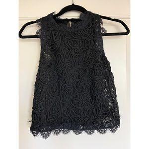 Harlowe & Graham black lace/thread detail top XS